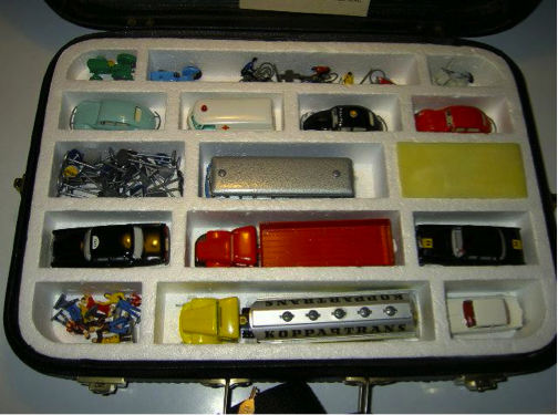 Model cars and figures