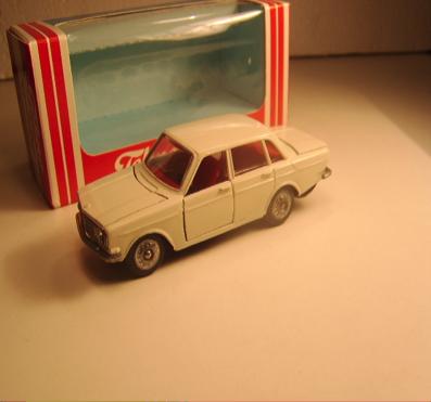 Hvid Volvo 144
