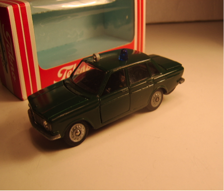 Volvo 144 Polisii grøn