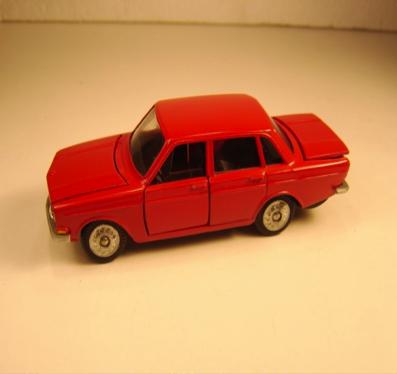 Rød Volvo 144
