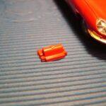 holder til motorhjelm rød 1