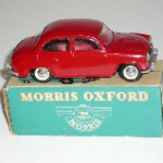 Morris Oxford eksportmodel rød