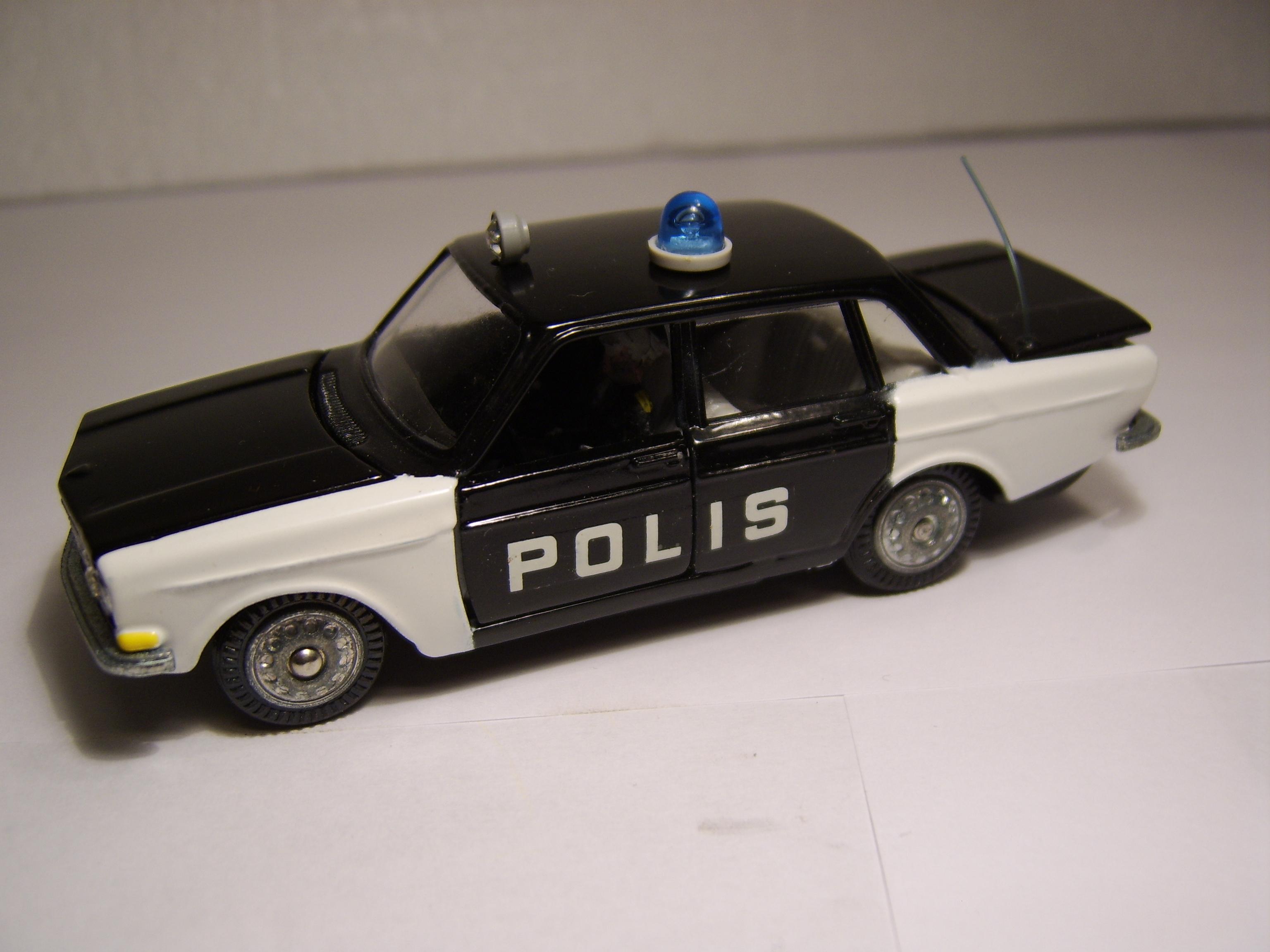 Volvo 144 Polis (1)