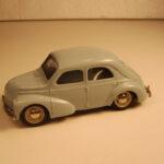 811 Renault 4 CV