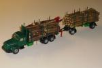 Skovbil med påhængsvogn